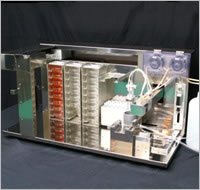 シャーレ内培養液/自動交換装置