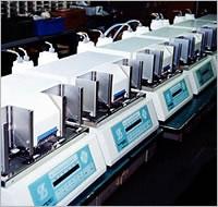 製薬関連 マイクロプレート分注機(スタッカ、洗浄機能付 細菌からDNA/RNA抽出する装置  株式会社ピーエムティー ライフテック|理化学機器・食品検査・バイオ・再生医療 ・創薬・医療のパイオニア